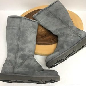 UGG Classic Zip Up Shearling Lined Leather Boots